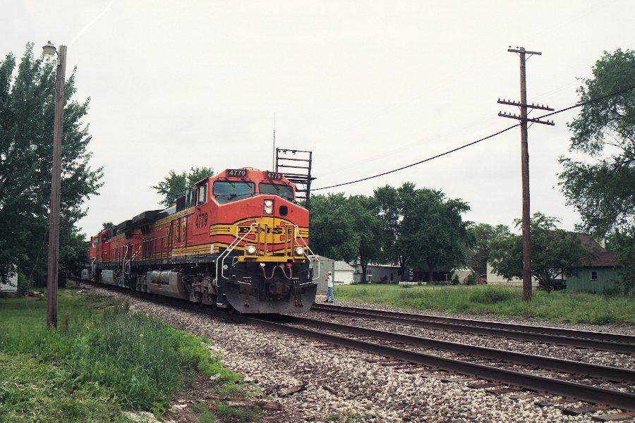 BNSF 4779