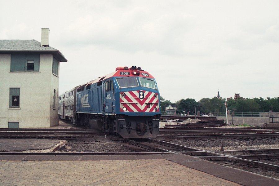 Metra 205