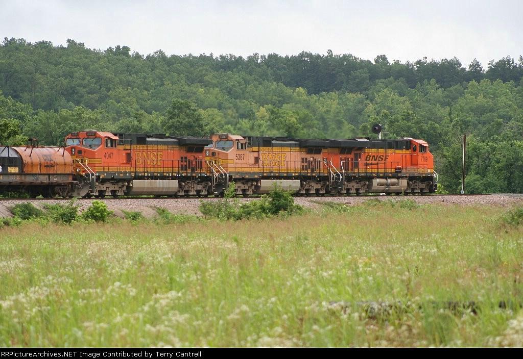 BNSF 4047/BNSF 5387/BNSF 7769