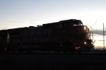 BNSF 525 becomes a sillouette in the dusk