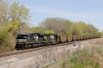 NS 1091, EMD SD70ACe, 2508 EMD SD70 with westbond empties on the BNSF at