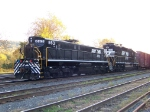 Norfolk Southern 863 and 6184