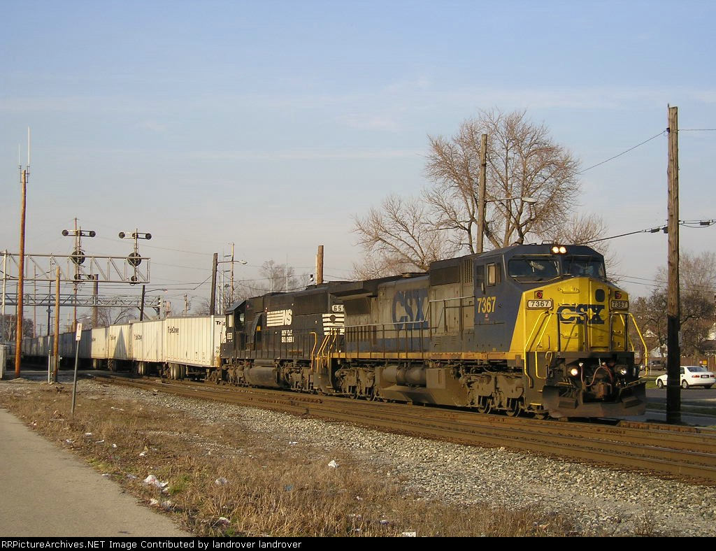 CSXT 7367 On NS 251 Southbound