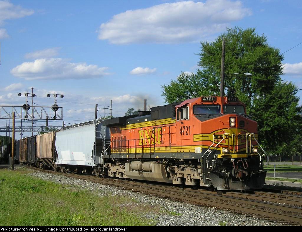 BNSF 4721 On CSX Q 339 Southbound