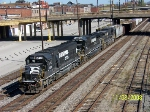 NS 6557 leads southbound train 183