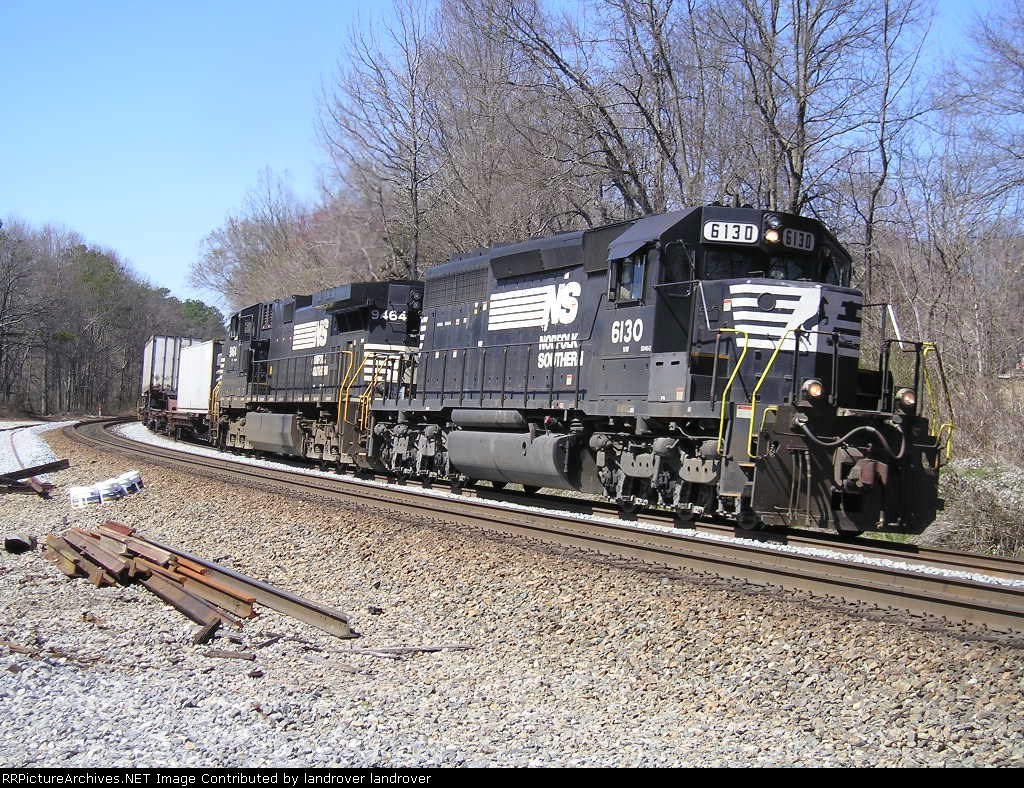 NS 6130 On NS G 4 Southbound