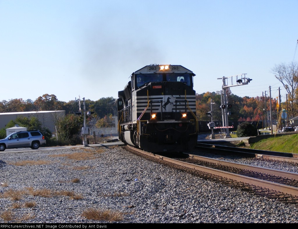 NS 2613 roars off the Chattanooga Division