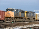 CSX 4840 & 270 sits at the west end after bringing Q335-30 in from Toledo