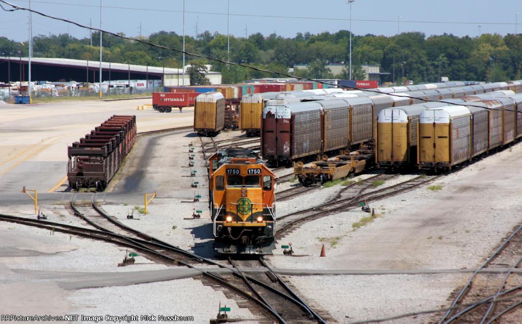 BNSF #1750 working the Intermodal Yard