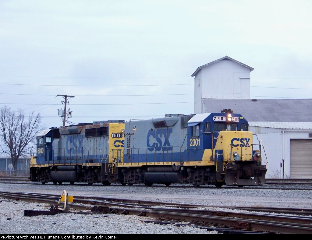 CSX 2301, CSX 6930 in the yard at Bowling Green at 4:05pm 12/15/2008