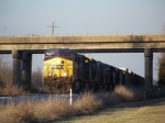 CSX 470 and 9 more units leading Q525 southbound 1/2/2009