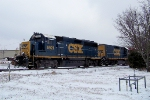 CSX 6921 sits short of Memphis Jct Road crossing as they switch cars in snow 1/28/09