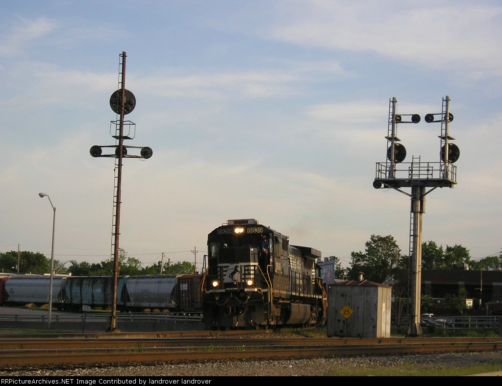 NS 8839 On NS 144 Westbound