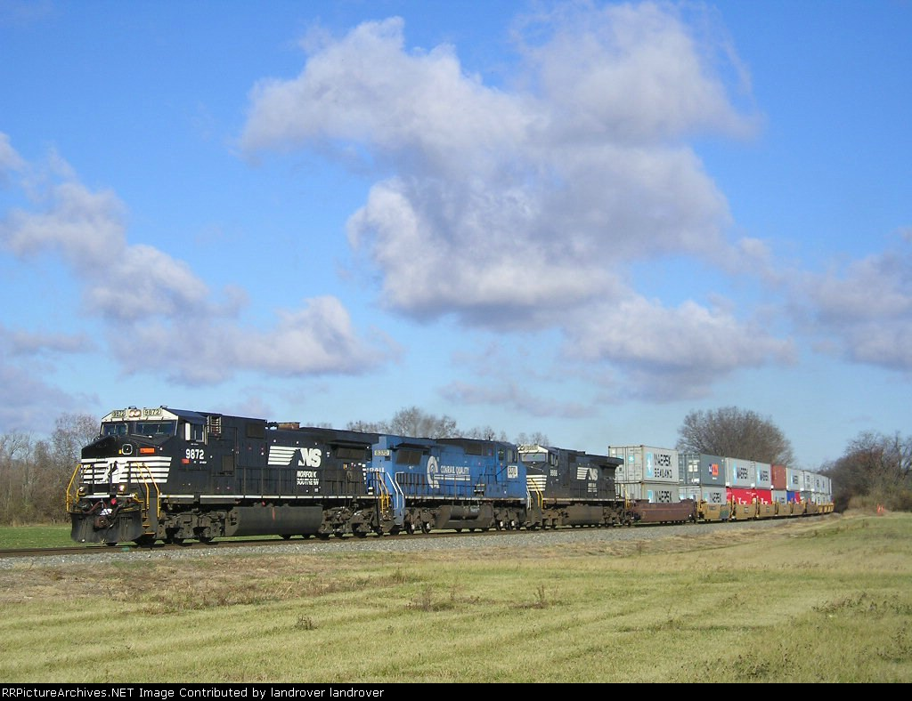 NS 9872 On NS 215 Eastbound