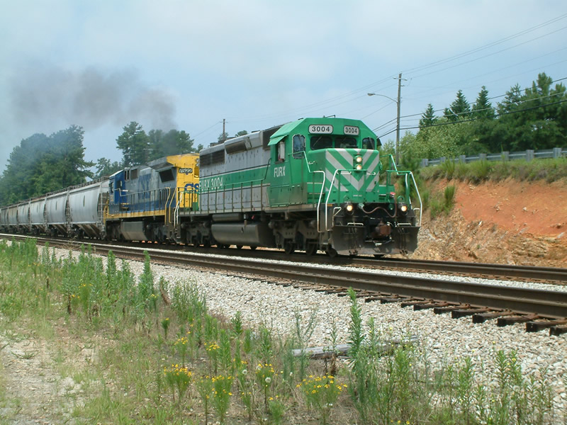 FURX 3004 leads this NB freight