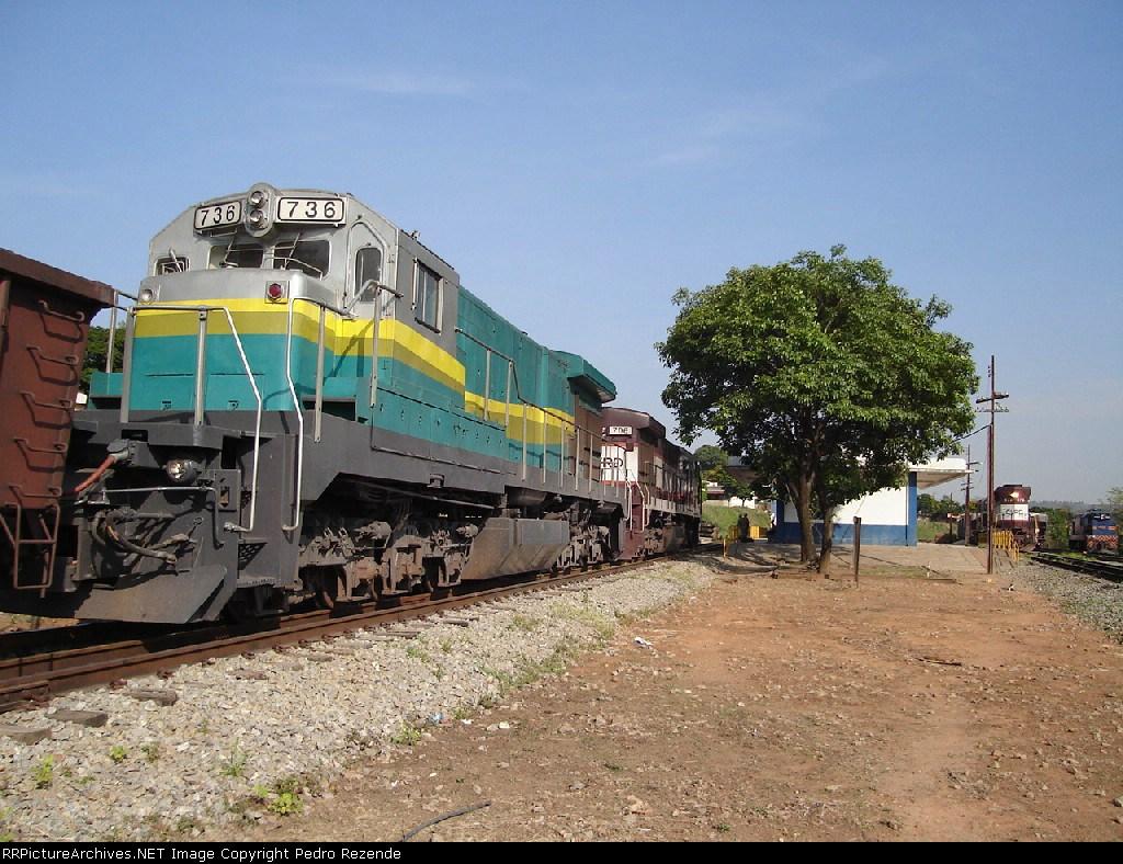 EFVM 736