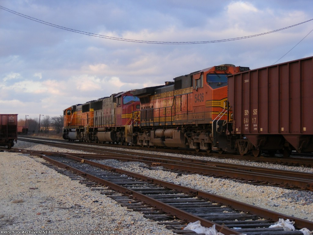 BNSF 5436