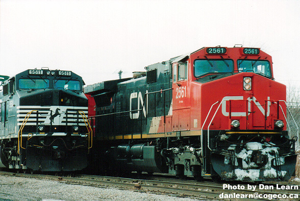 CN / NS trains side by side