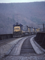 Southbound freight with CSX & UP power crosses the Lehigh River
