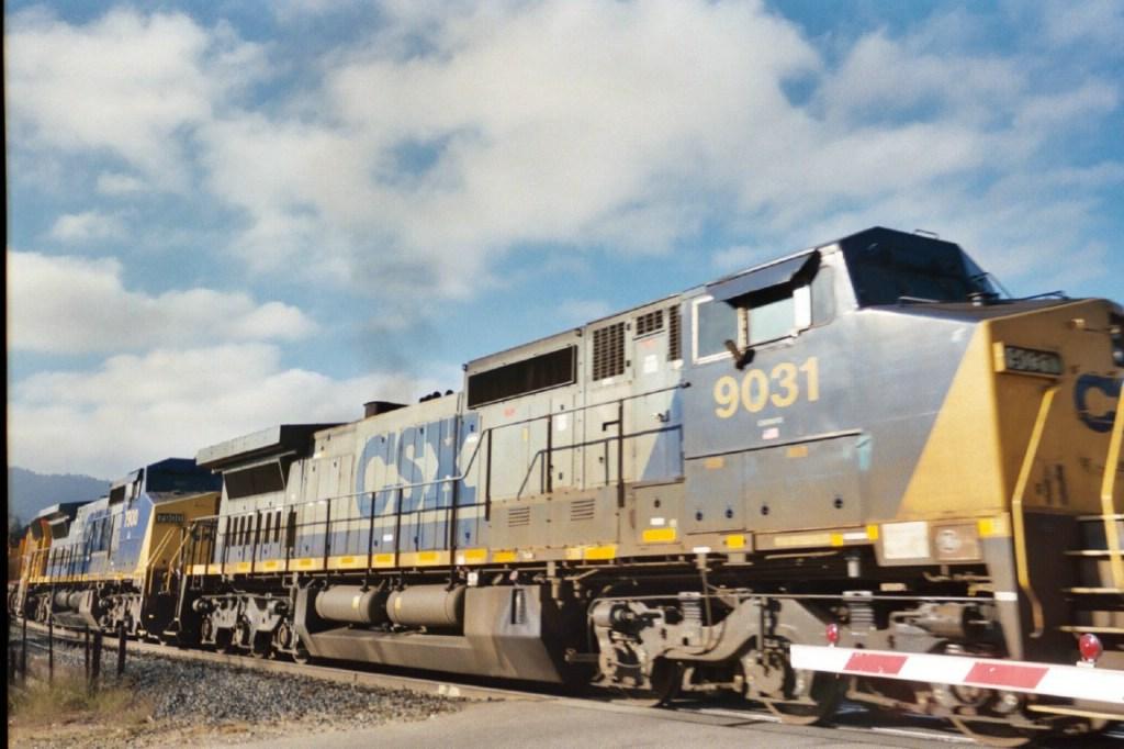 CSXT 9031 and 7900