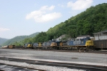 CSX 470 and other power at Peachcreek