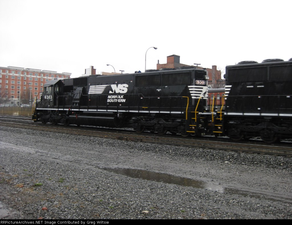 NS SD40E 6303 running tests and used as a helper