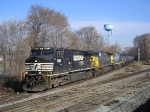 NS 123 Eng NS 8954 With CSX Power