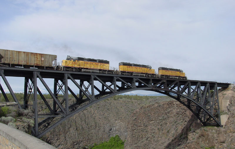 Crossing the Crooked River on the Oregon Trunk