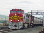 Grain train entering Pasco yard