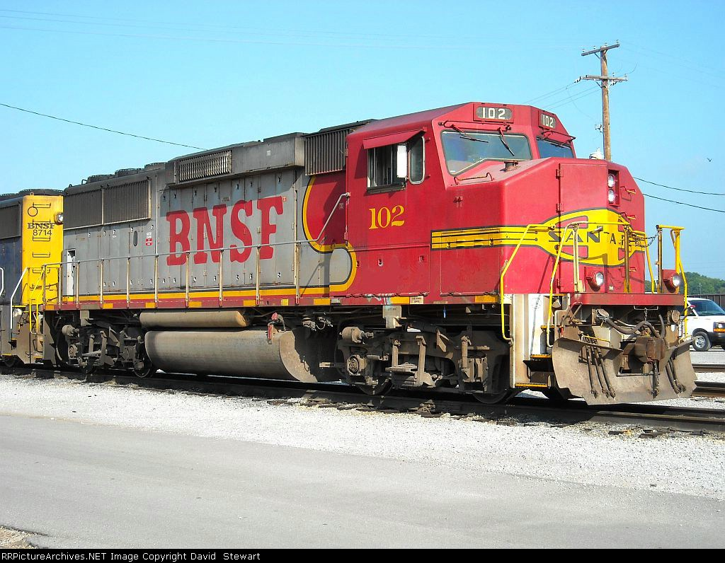 BNSF GP60M 102