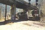 Eastbound coal train duck under US52