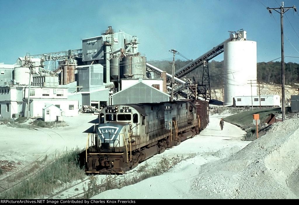 L&HR Limecrest Quarry pick up
