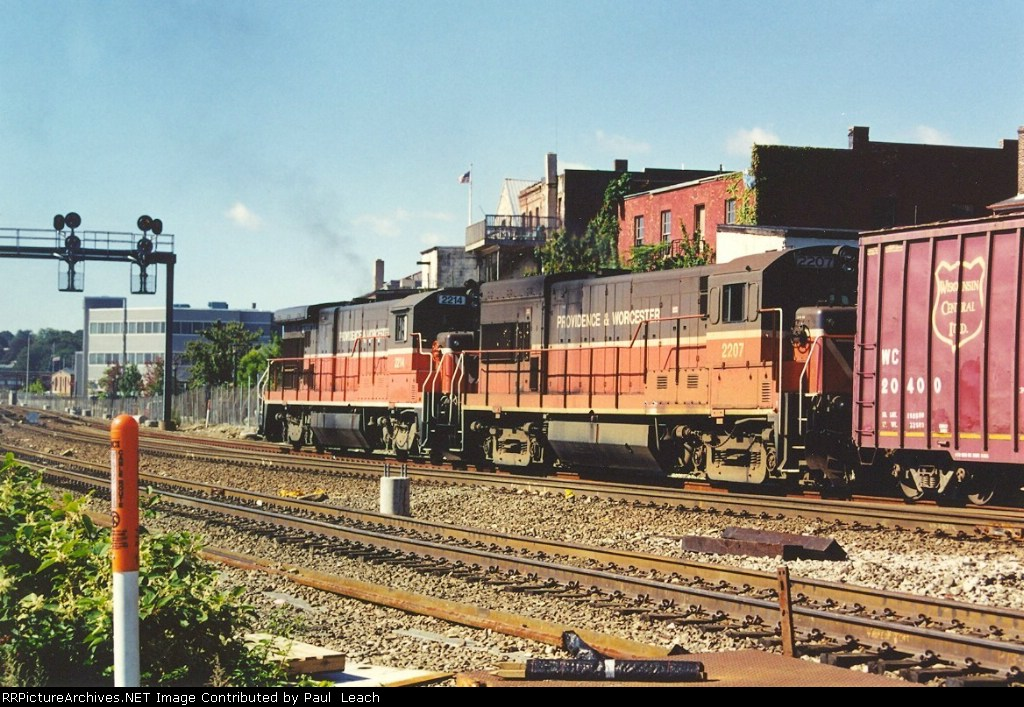 Westbound freight along the NEC