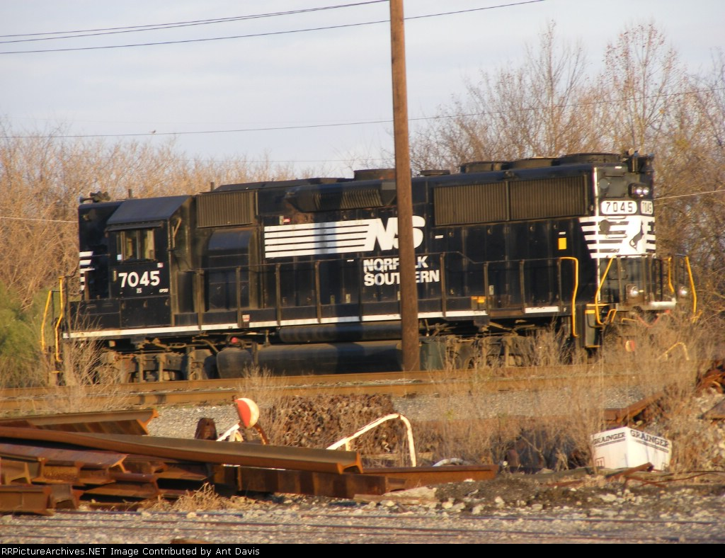 NS 7045 sits in Augusta Yard