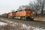 BNSF 5951 takes the fuel that lights America and sludges rivers to Michigan