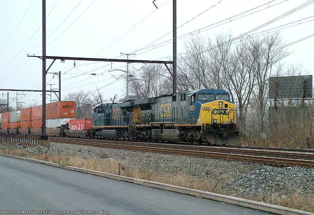 CSX 692 Q190