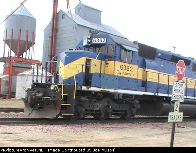 DME 6392 waiting at the grain silo
