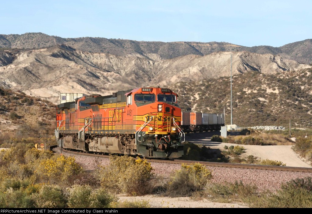 BNSF 4461 and 5404