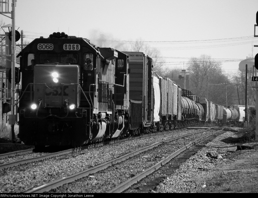 Q335 passes the signals at Jefferson Ave.