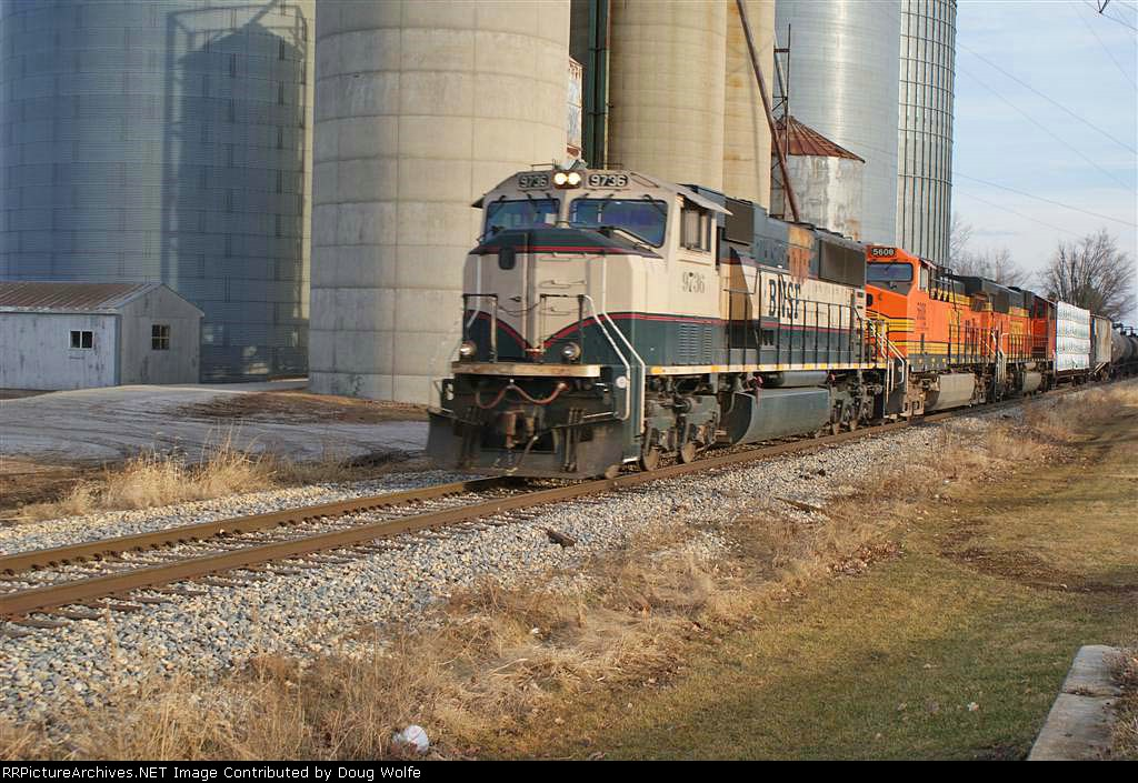 BNSF 9736