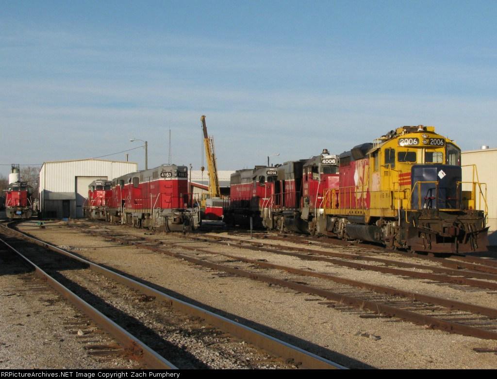 MNA Locomotives at Pearl Yard