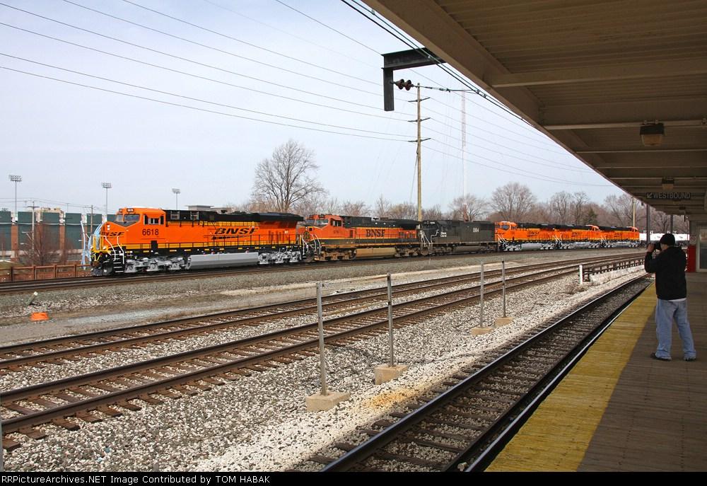 BNSF 6618 on CSX Q381-27