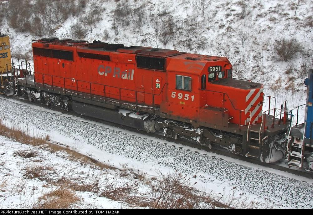 CP 5951 on CSX Q364-07