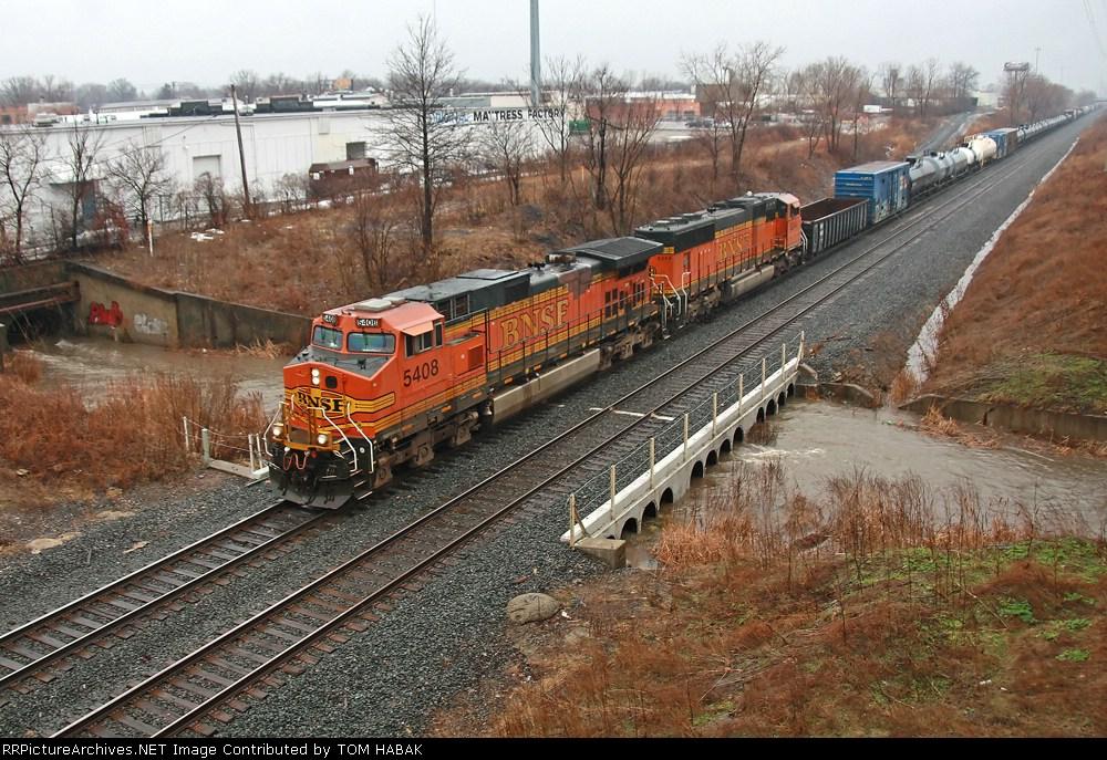 BNSF 5408 on CSX Q380-10