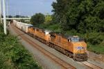 UP 7633 on CSX Q090-18