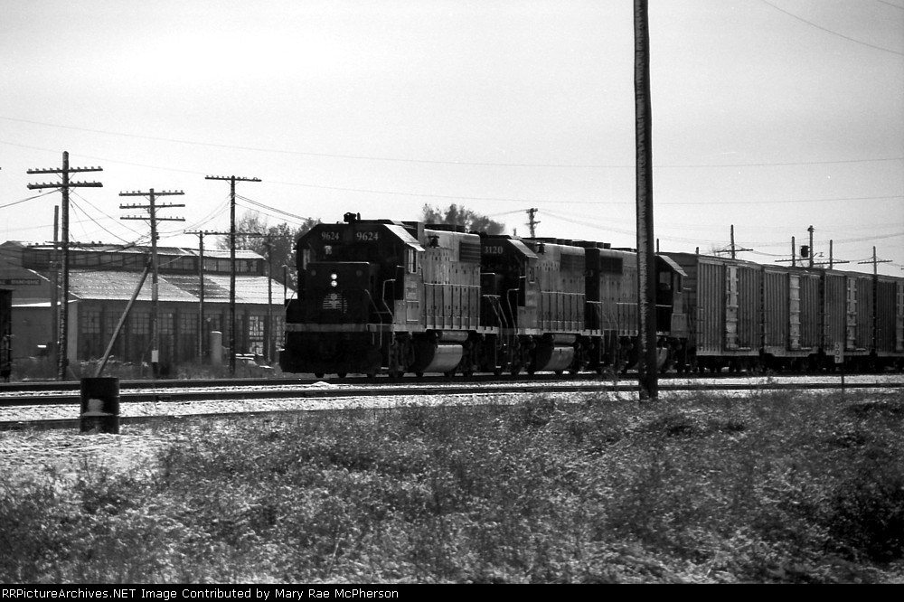 IC 9624 passes the old machine shop in North Yard