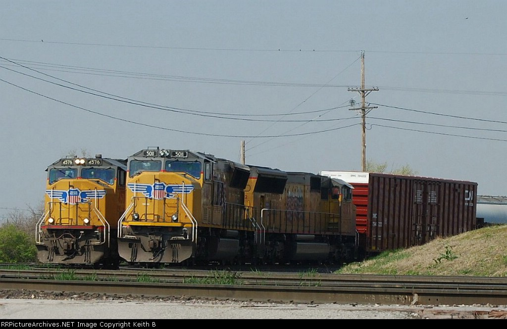 UP 4576 and 5011
