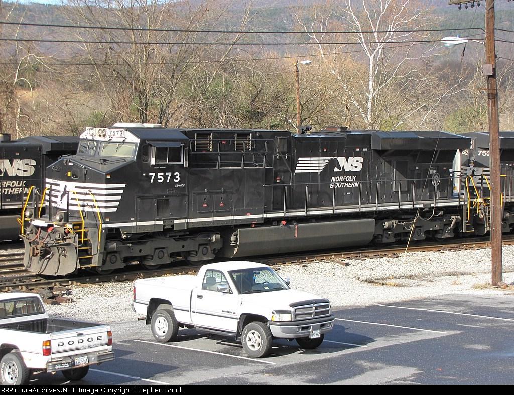 NS 7573