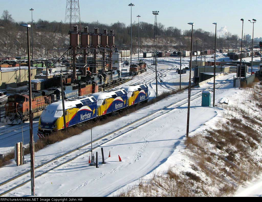 """090104002 Northstar MNRX 505-503-504 on the """"No Hump"""" track at BNSF Northtown"""