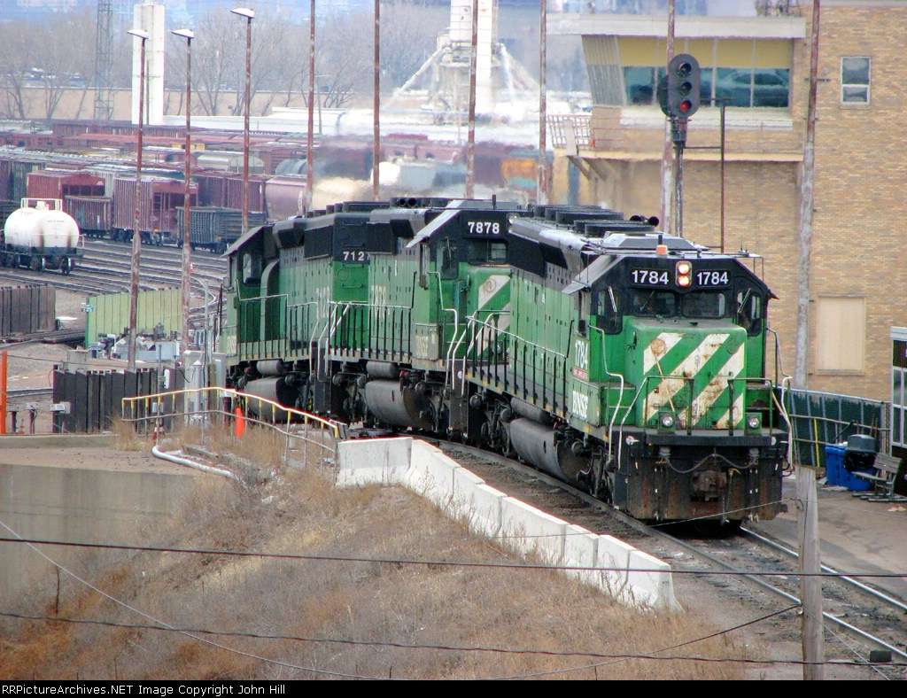 090308003 BNSF 1784-7878-7128 work the hump at Northtown Yard, pinch-hitting for one of the normal SD39 slug sets